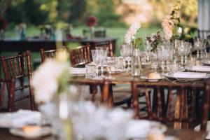 la serra del Mulino Dell'Olio preparata da le bon ton banqueting con I fiori di oltre il giardino Varese